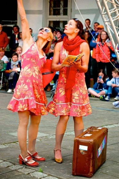 a_funny_aerial_theatre_with_sol_air_company_at_the_street_theatre_castle_festival_in_clemenswerth