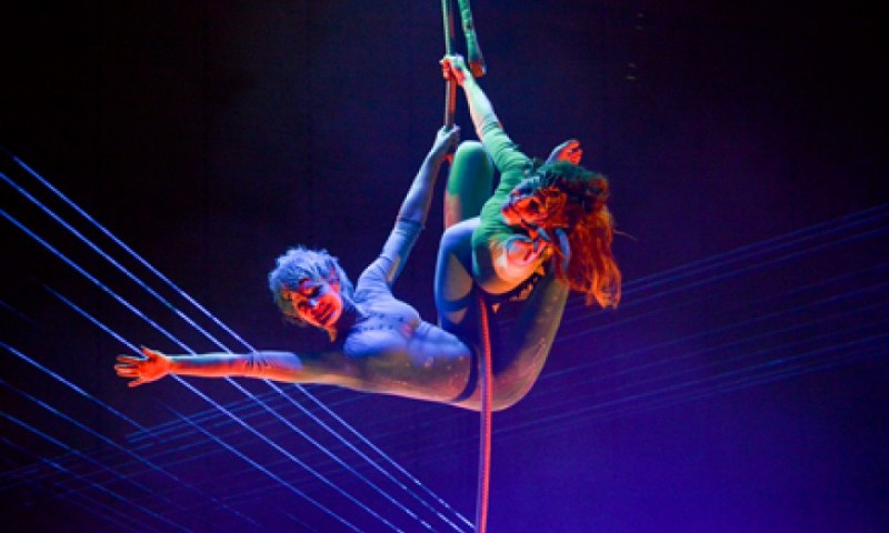 duo_elements_circus_act_van_sol_air